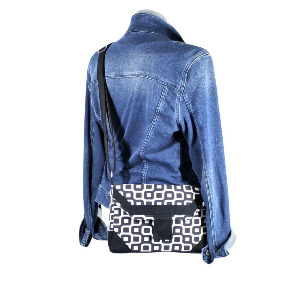 Tasche Sandra im zeitlosen Design