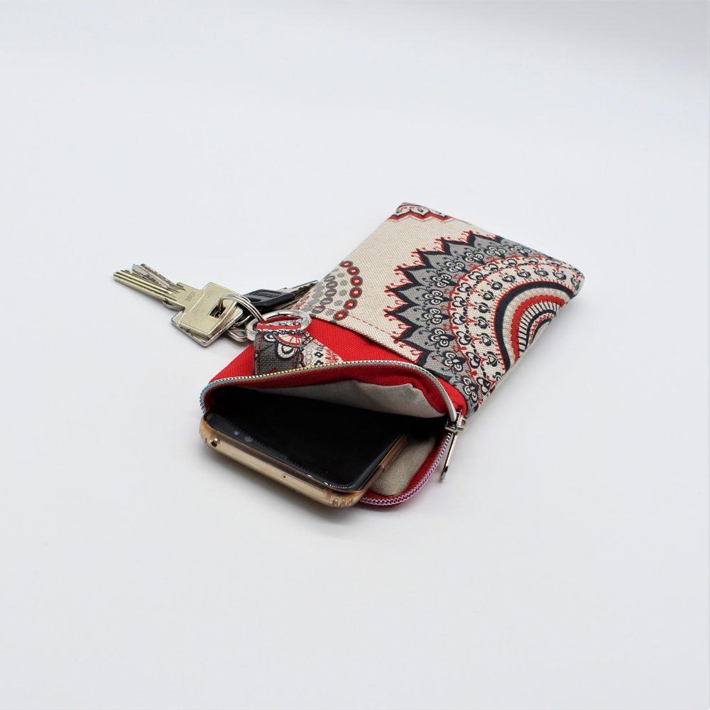 rote Handytasche mit Mandala