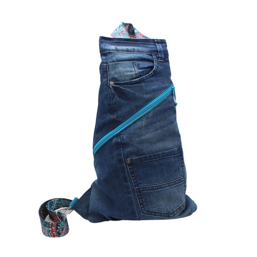 Cross-Bag im Upcycling aus Jeans