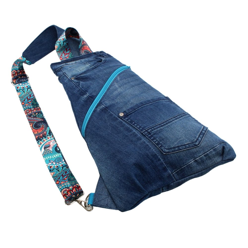 modischer Cross-Bag im Upcycling